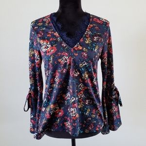 B2G1 Monteau Lace & Floral Bell Sleeve Blouse